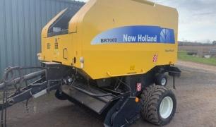 NEW HOLLAND BR 7060 BALER