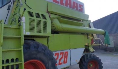 CLAAS COMMANDER  228 COMBINE
